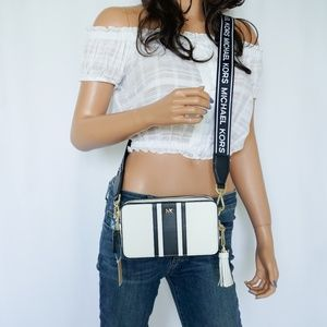 Michael Kors Crossbodies SM Camera Bag White Black